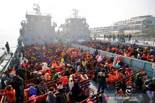 Relokasi pengungsi Rohingya ke pulau terpencil