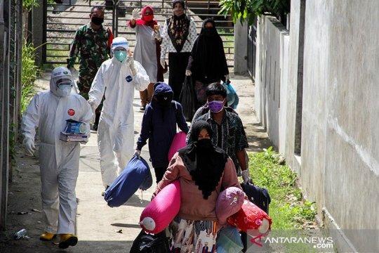 Distribusi almatkes bentuk perlindungan dalam penanganan pandemi