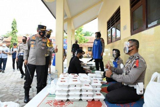 Kakorlantas tinjau pos pengungsi Merapi ingatkan prokes