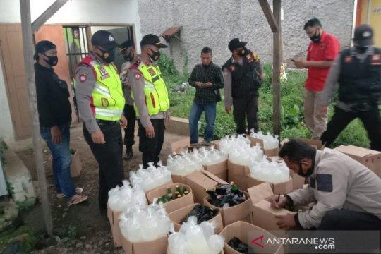 400 minuman keras hendak diedarkan malam tahun baru di Bandung disita