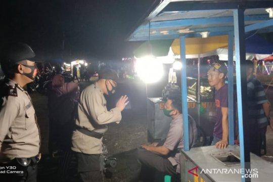 Cegah COVID-19, polisi Bangka Barat batasi jam buka kafe