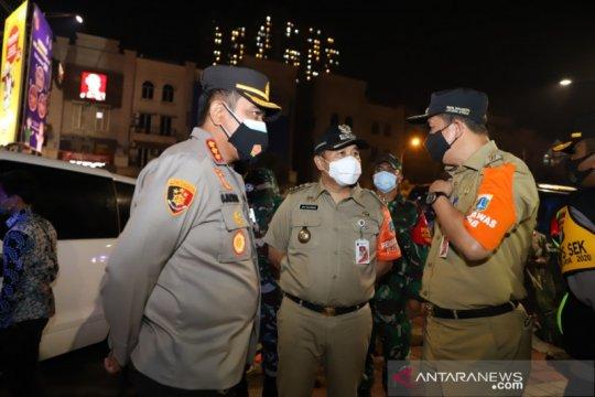 Wali Kota pastikan warga Jakarta Utara berkegiatan di rumah