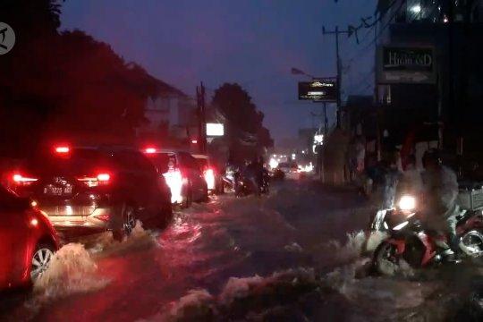 BMKG: Curah hujan sangat tinggi penyebab banjir di Bandung Raya