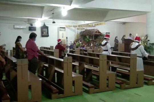 Cegah kerumunan, Gereja di Kendari laksanakan tiga sesiMisa Natal