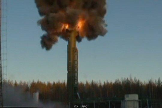 Rusia gelar latihan kekuatan nuklir strategis skala besar