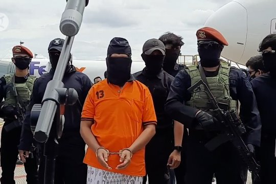 23 tersangka teroris JI tiba di Jakarta