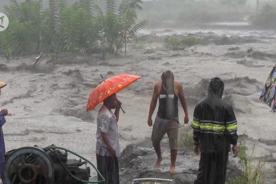 Banjir lahar dingin ancam warga di lereng Gunung Semeru