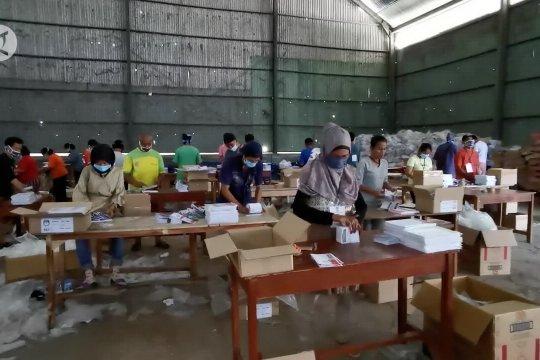 KPU Pandeglang temukan ratusan surat suara rusak