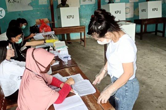 Menentukan pemimpin daerah di perbatasan sektor utara Indonesia-Malaysia