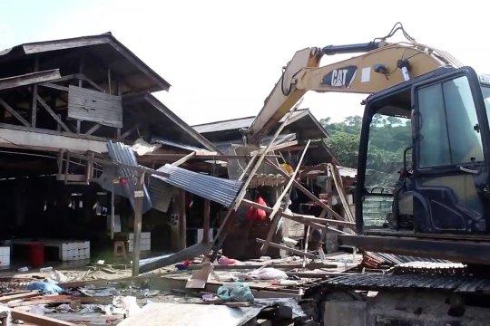Pemkot Jayapura tertibkan lapak Pasar Youtefa