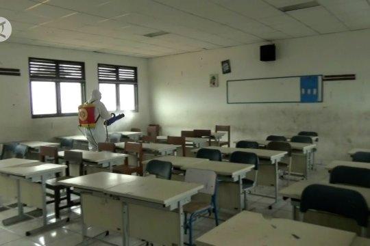 Pemkot Tangerang tunda KBM tatap muka awal Januari 2021