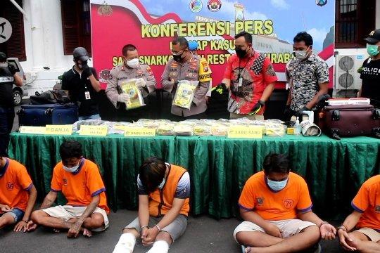 Polrestabes Surabaya ungkap kasus peredaran sabu 21,4 kg asal Malaysia
