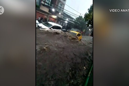 Sungai Citepus meluap, Bandung dikepung banjir