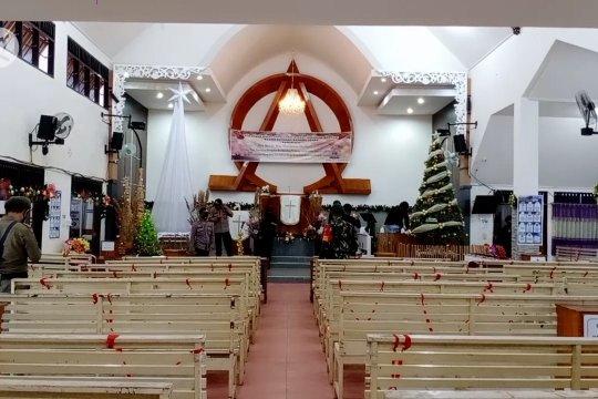Tim Gegana Brimob sterilisasi sejumlah gereja di Kendari