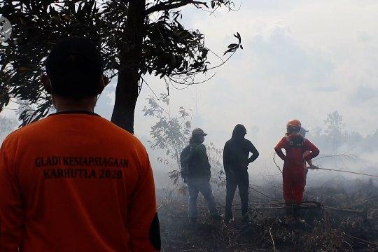 Empat hektare lahan gambut di Kota Pontianak terbakar