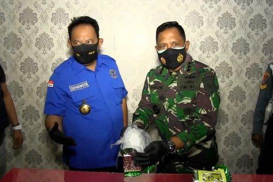 Petugas amankan 2 kg sabudi Bangka saat malam Natal