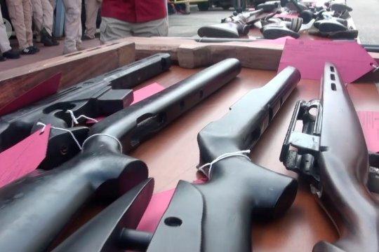 Polda Jabar tangkap enam perakit senjata api