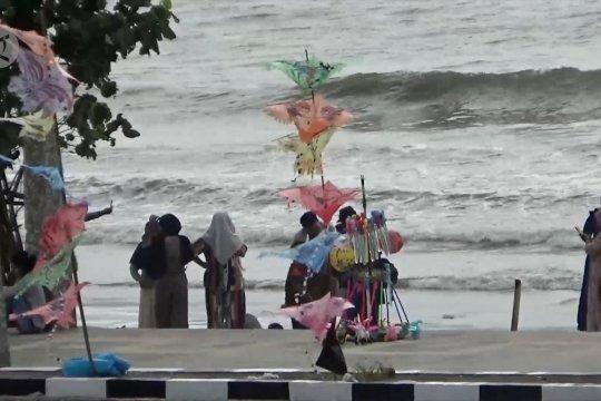 Berbenah diri, membangkitkan pariwisata di Padang