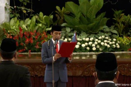 Presiden resmi melantik enam menteri dan lima wakil menteri