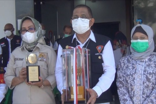 Pemkot dan DPRD Kota Ambon raih penghargaan Nirwasita Tantra KLH