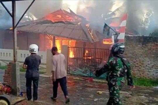 Rumah Cabup Boven Digoel dibakar, Polisi imbau warga tidak anarkis