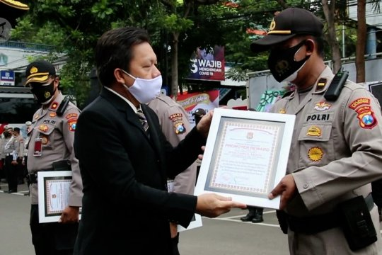 Tim pemulasaran COVID-19 Polresta Malang Kota raih penghargaan Lemkapi