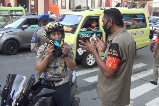 Tak pakai masker keluar rumah, warga Ambon wajib tes cepat