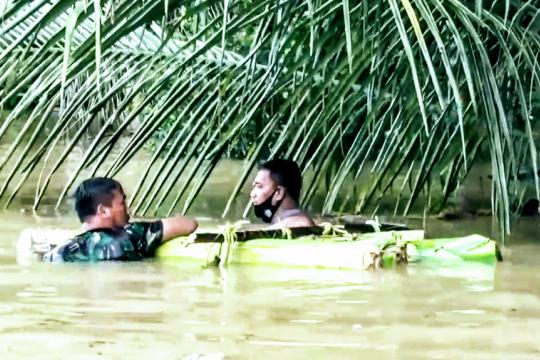 Petugas temukan 2 korban terseret banjir di Aceh Timur