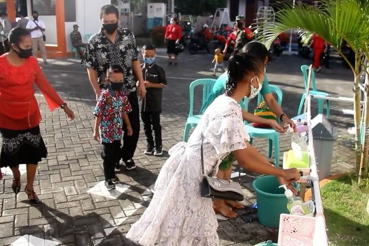 Terapkan 3M, pelaksanaan ibadah Natal di Ternate berjalan aman