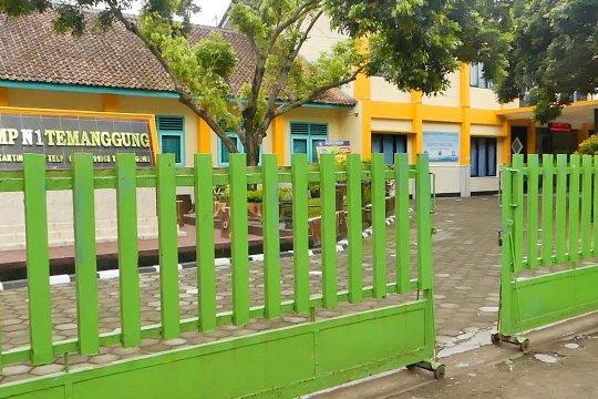 Tiga sekolah di Temanggung ditutup karena terjadi penularan COVID-19