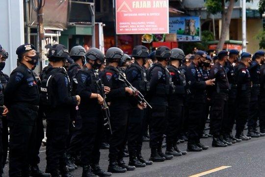 Jelang tahun baru, ratusan personel gabungan bersiaga di pusat keramaian Kota Ternate