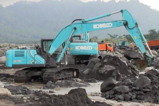Rekayasa aliran sungai untuk alihkan lahar dingin Semeru