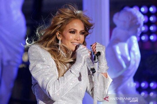 "Jennifer Lopez akan bintangi film thriller Netflix ""The Mother"""