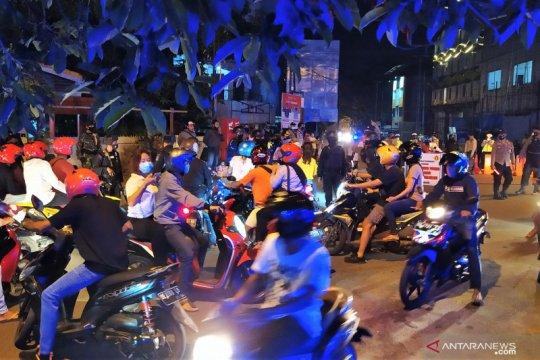 Pawai malam pergantian tahun di Ambon dibubarkan tim gabungan