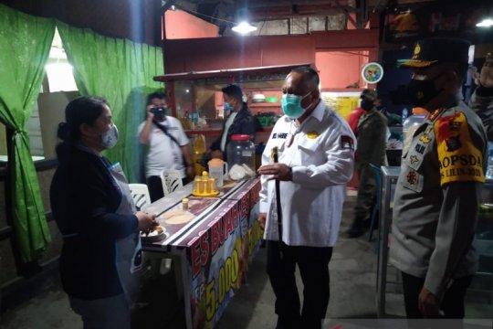 Gubernur Gorontalo ikut razia keramaian, belasan rumah makan ditutup
