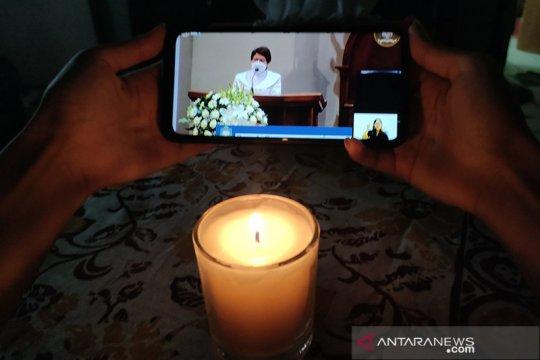 Warga Bandarlampung rayakan malam tahun baru dengan ibadah virtual