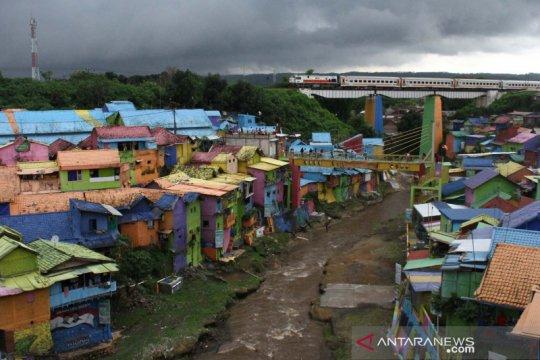 Liburan tahun baru di kampung warna-warni Jodipan
