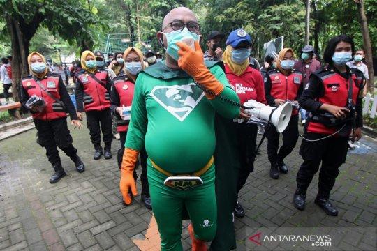 """New Man"" berkeliling kota Surabaya sampaikan protokol kesehatan"