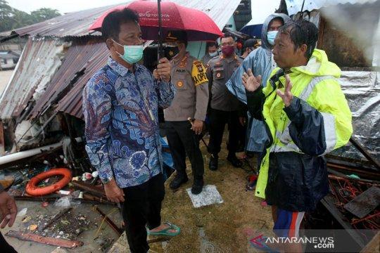 Pemko Batam minta pemilik tongkang ganti rumah warga yang ditabrak