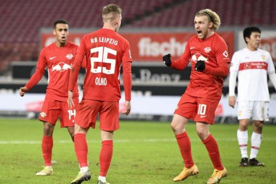 Gol semata wayang Olmo bawa Leipzig rebut puncak klasemen