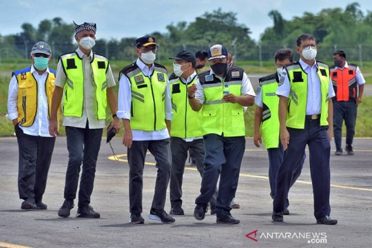 Target beroperasi 2021, Menhub tinjau pembangunan Bandara Ngloram