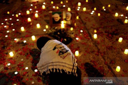 Ribuan warga Irak serukan slogan anti-AS peringati kematian Soleimani