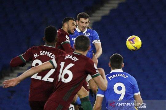 Brighton dan Wolverhampton berbagi poin setelah lewati hujan enam gol