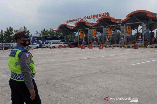 Arus balik libur tahun baru di Cirebon terjadi pada Ahad