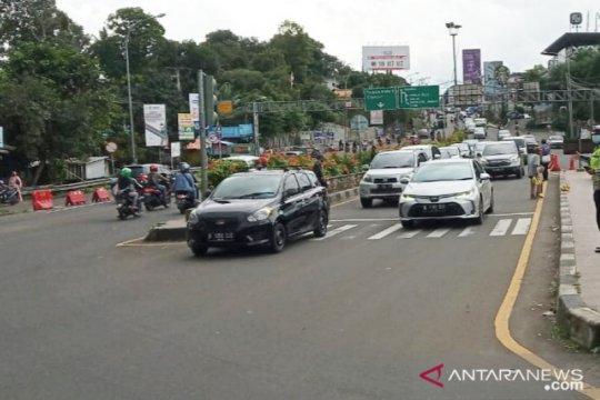 Arus balik liburan, terjadi tiga titik kepadatan di Jalur Puncak Bogor