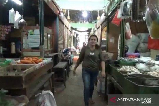 Konsumen keluhkan hilangnya tahu dan tempe di Pasar Induk Kramat Jati