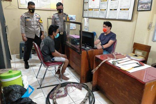 Polisi Banyumas tangkap pencuri kabel jaringan Telkom