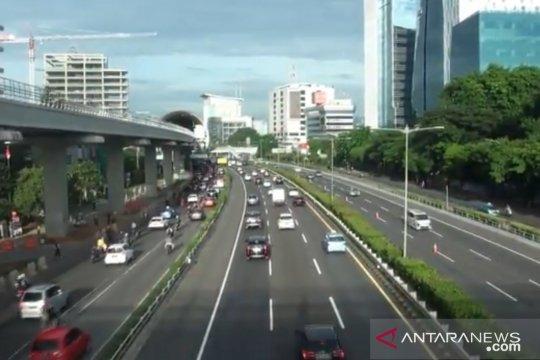 Hari pertama kerja 2021, lalu lintas di timur Jakarta ramai lancar