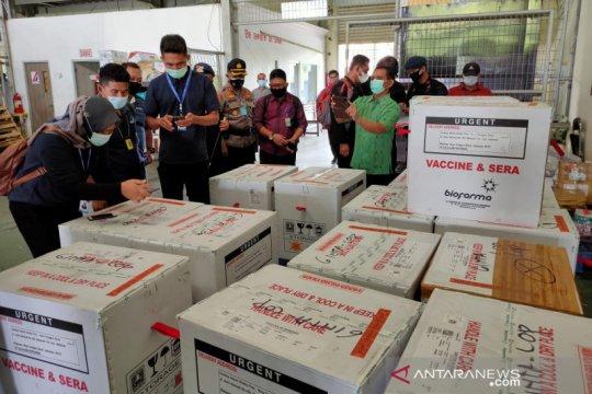 Polda NTB pastikan 28.760 dosis vaksin COVID-19 tiba dengan aman