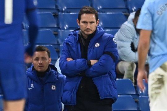 Frank Lampard hati-hatilah, ini Roman Abramovich lho.....